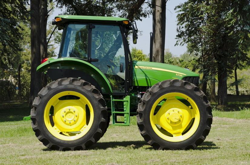 John Deere Tractor Ad : John deere comenzó la producción local del tractor ad