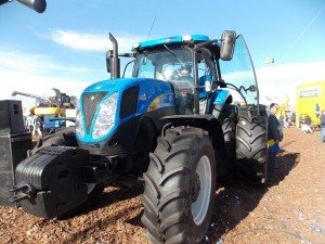 Tractor New Holland T6090 - Maquinac