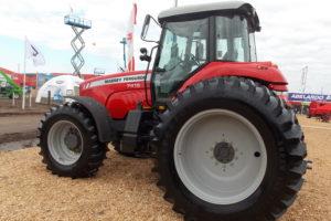 Subrubro: Tractores de Alta Potencia Segmento: Tractores de 200-249 HP  Producto: Tractor Marca: Massey Ferguson Modelo: MF 7415. Origen: Argentina